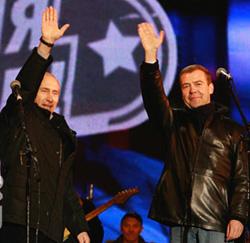 Рок против политики. Лидеры групп «Машина времени» и «Чайф» перестали поддерживать правящий тандем и пообещали не участвовать в концерте, если победит Путин