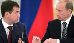 В действительности общественность видит лишь отголоски большой аппаратной борьбы, начало которой было, вероятно, в 2011 году, когда еще обсуждалась возможность второго срока президента Медведева