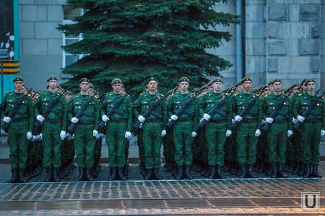 42780_Repetitsiya_Parada_Pobedi_Ekaterinburg_postroenie_armiya_soldati_1403278451.jpg