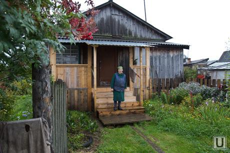 Деревня Сосновка, дом, крыльцо