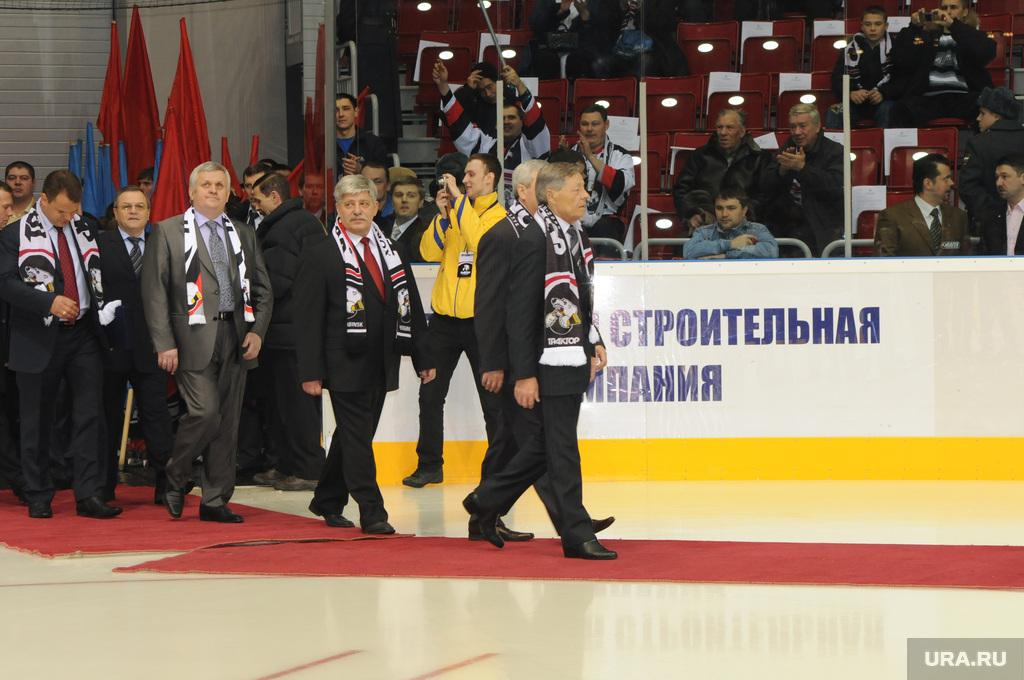 http://ura.ru/images/news/upload/articles/264/081/1036264081/110591_Ledovaya_arena_Traktor_Iz_arhiva_Chelyabinsk_sumin_petr_valitskiy_isaak_1424161573_original.jpg