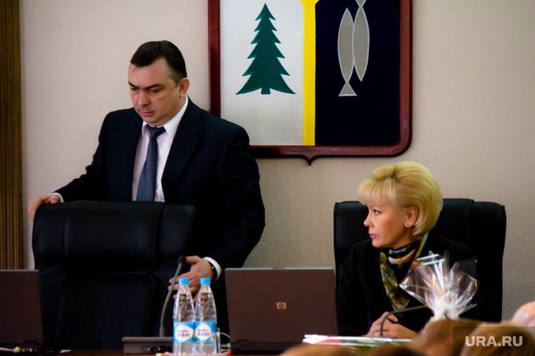 «Максим Витальевич уступил даме».  Мэр Нижневартовска отказался от кресла в пользу своей напарницы