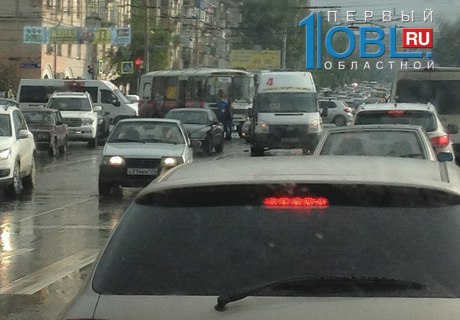 Маршрутные такси с пассажирами столкнулись в центре Челябинска.  ФОТО.