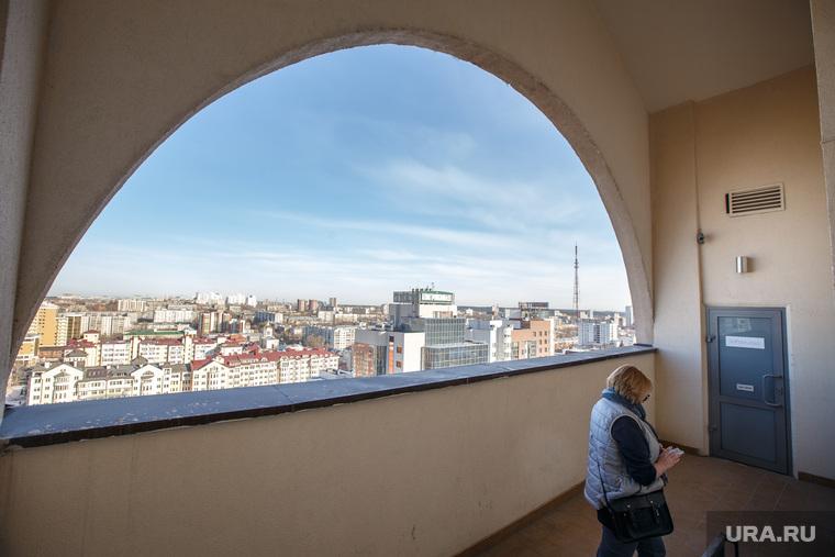 Пресс-конференция с участием фотографа Дмитрия Лошагина в Loft Studio. Екатеринбург, балкон, городской пейзаж, loft studio