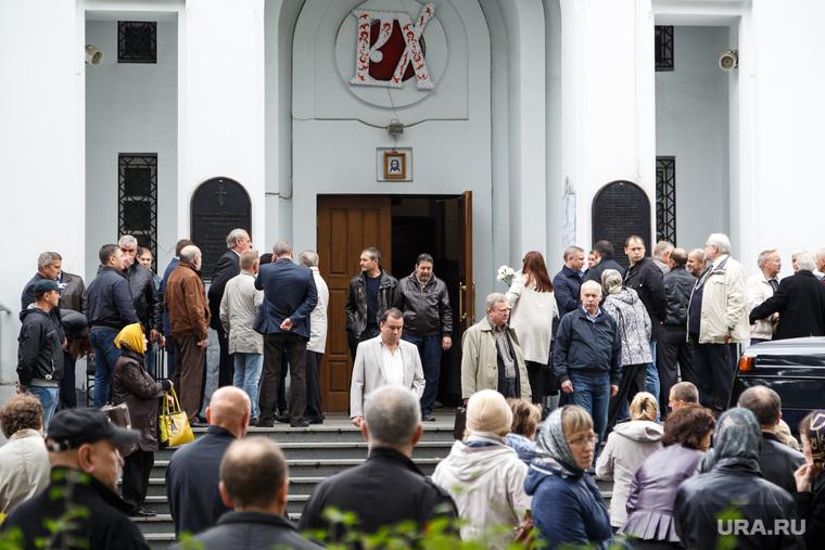 Отпевания бывшего депутата городской думы Олега Романовского