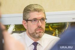 """До выборов главы югорского города, которые обсуждали на """"Первом канале"""", допустили троих"""