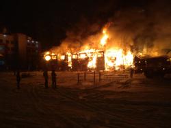 новом уренгое сгорел жилой дом пожаре обвинили местных
