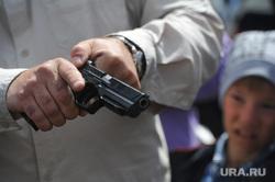 В Богдановиче разброрки ревнивца закончились стрельбой. Трое раненых