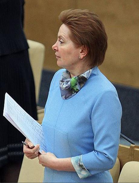 Комарова подписала соглашение со строителями Няганьской ГРЭС.