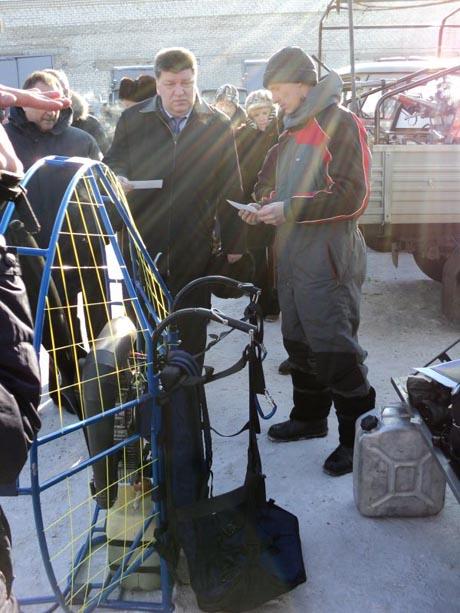 Как удивить федерального чиновника. Богомолов показал столичному VIP летающих людей с пилами. ФОТО DSC04011